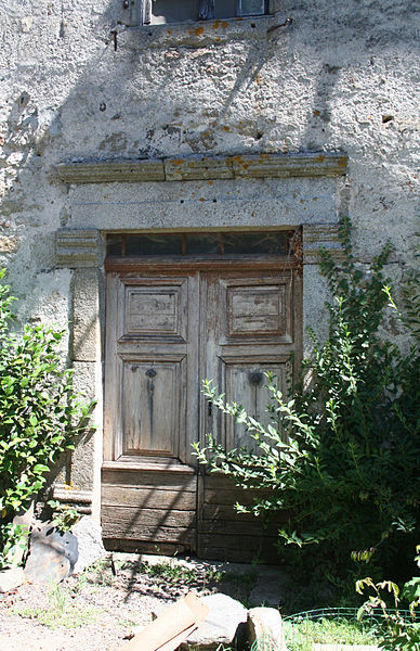 La Salvetat-sur-Agout (Hérault) - porte du château d'Arifat.