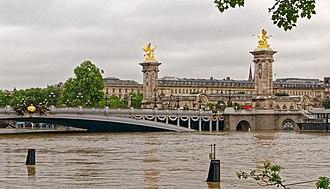 2016 European floods - The Seine in central Paris on 3 June
