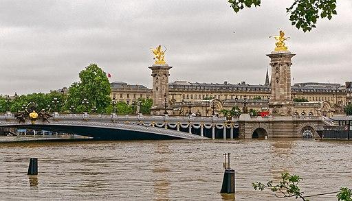 La seine sort de son lit - Pont Alexandre III