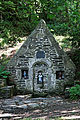 Lampaul-Guimiliau - Fontaine Sainte-Anasthasie - 017.jpg