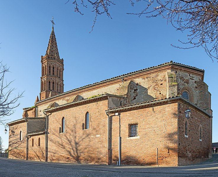 English:  Lavalette, Haute-Garonne. Church Saint-Laurent Southern exposure. .
