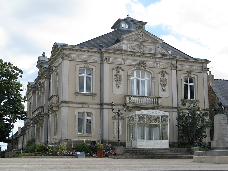 Le théâtre, à Mayenne.