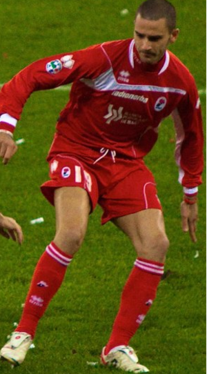 Leonardo Bonucci - Bonucci playing for Bari in the 2009–10 season