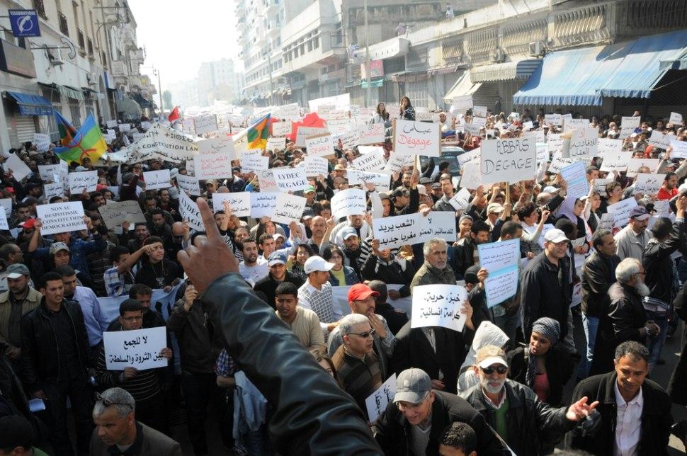 Les Marocains manifestent pour des réformes (5630977929)