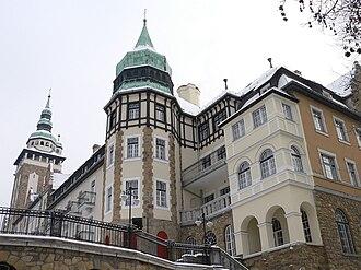 Anna Cave - Palace Hotel