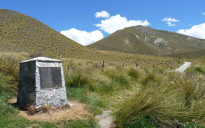 File:Lindis Pass, New Zealand (10).JPG