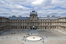 Louvre Cour Carr%C3%A9e June 2010