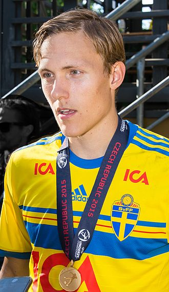 Ludwig Augustinsson - Augustinsson celebrating with Sweden under-21s in Kungsträdgården in July 2015