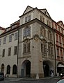 Měšťanský dům - dvojdům čp. 267 a 516 (Malá Strana), Praha 1, Malostranské nám., Karmelitská 4, Malá Strana.JPG