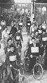 Manifestazione di operai in bicicletta contro i licenziamenti nell'immediato secondo dopoguerra, 1945-1946 - san dl SAN IMG-00002297.jpg