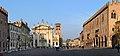 Mantova piazza sordello e il palazzo ducale.jpg
