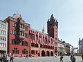 Marktplatz und Rathaus.jpg