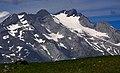Massif du Vignemale et glacier d'Ossoue depuis le plateau des Cardous.jpg