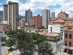 Zentrum mit der Kathedrale Zentrum mit der Kathedrale (rechts)