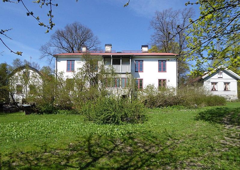 Mellanjärva gård 2015c.jpg