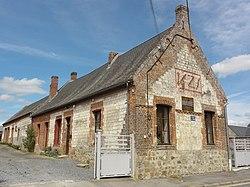Mesbrecourt-Richecourt (Aisne) mairie.JPG