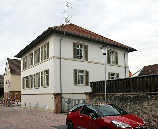 Messel Hanauer Str 19 Pfarrhaus Strassenseite