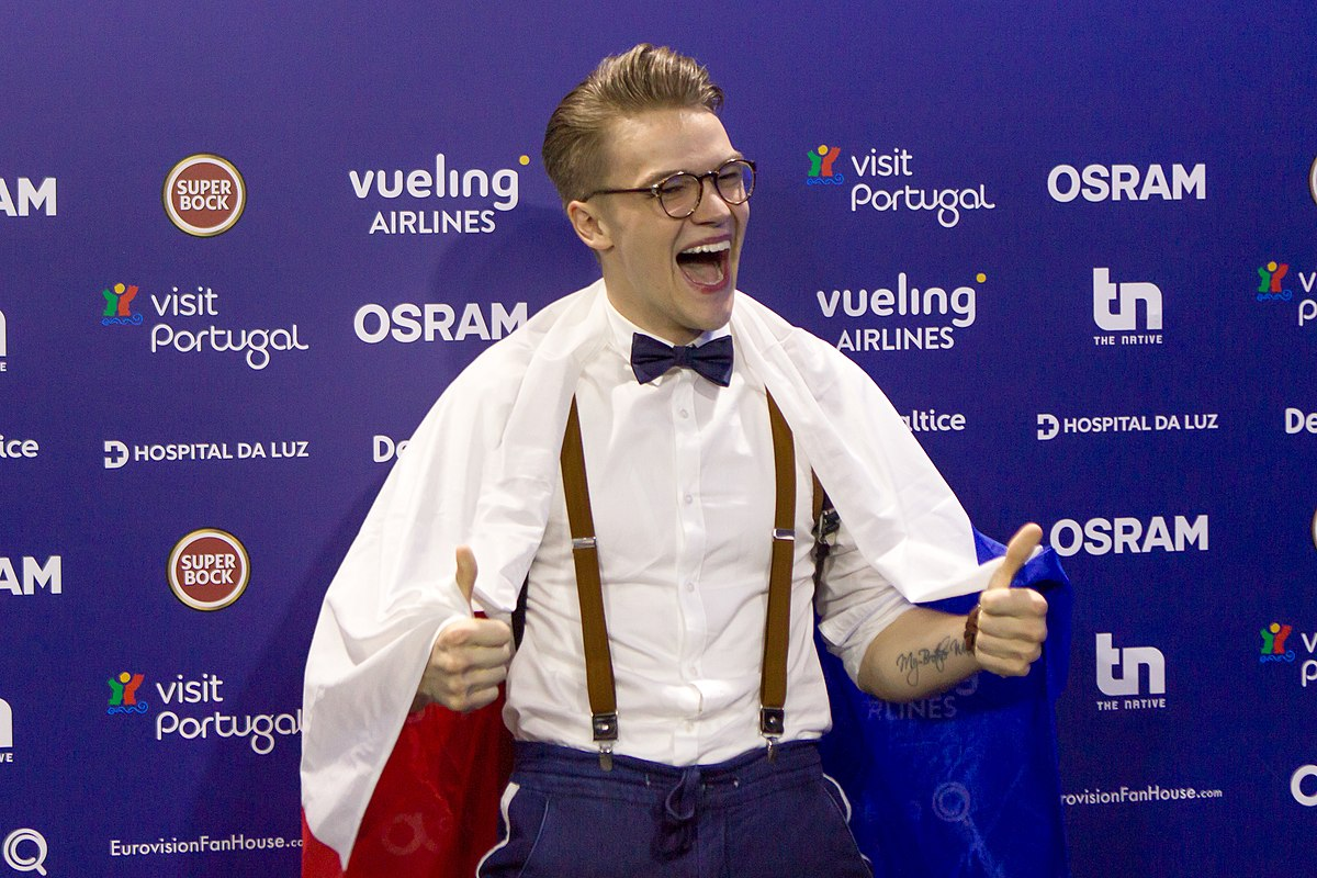 mikolas josef lie to me