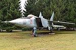 Mikoyan-Gurevich MiG-25R '25 red' (37580833381).jpg