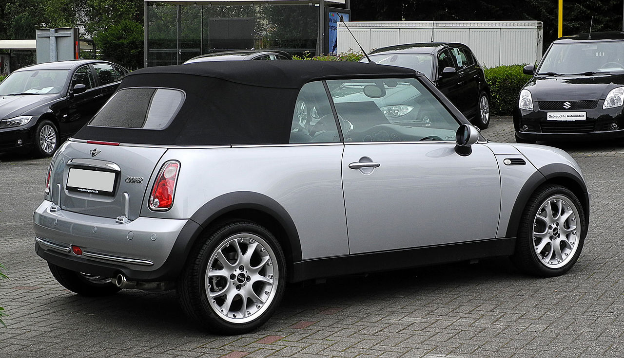 file mini cooper cabriolet r52 heckansicht 13 juni 2011 wikimedia commons. Black Bedroom Furniture Sets. Home Design Ideas