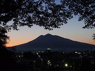 Hirosaki - Image: Mt. Iwakisan from Hirosaki Castel 2008
