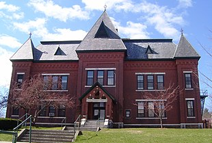 "The <a href=""http://search.lycos.com/web/?_z=0&q=%22Gothic%20Revival%20architecture%22"">Gothic Revival</a> Municipal Center (1884), built as Brattleboro's High School, served the town in that capacity until 1951"