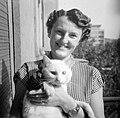 Nő és macska, 1952. Fortepan 2805.jpg