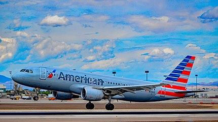 N119US American Airlines 2000 Airbus A320-214 - cn 1268 (26873323091).jpg