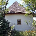 Namastir u Botosu - istočna fasada.jpg