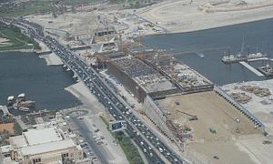 Al Garhoud Bridge - New Al Garhoud Bridge under construction by BESIX (progress photo taken on 1 May 2007)