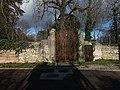 Neyron - Chemin de Sermenaz, ancien portail du château de Sermenaz.jpg