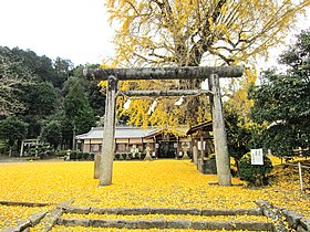 Niu-Sakadono-Shrine-01.jpg