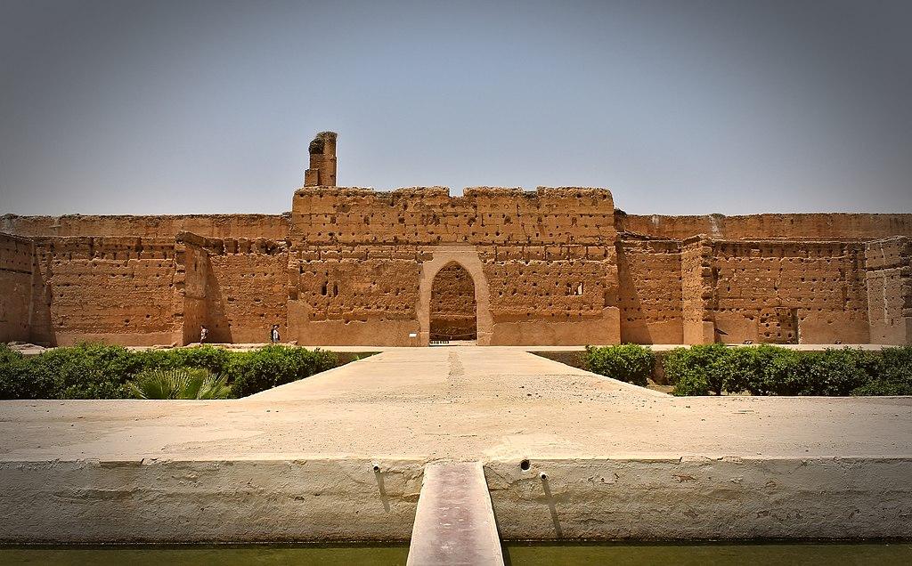 Façade intérieure nord du Palais El Badi à Marrakech au Maroc - Photo de M0tty