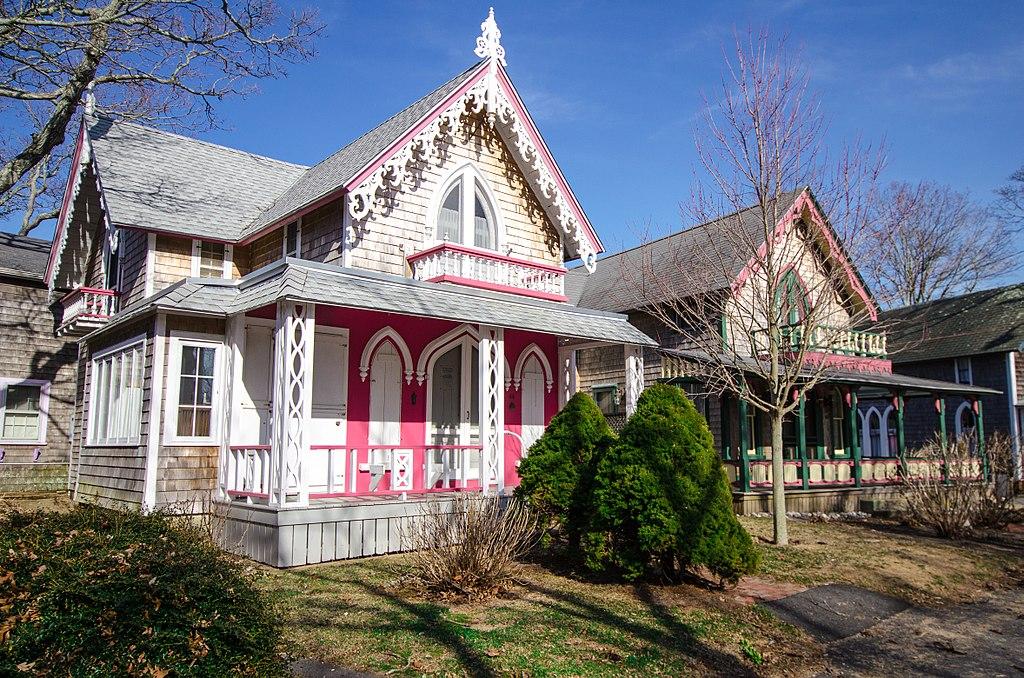 Oak Bluffs Gingerbread Houses (14057570005)
