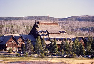 Old Faithful Inn - Image: Old Faithful Inn main facade
