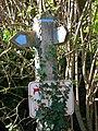 Old footpath signs - geograph.org.uk - 253395.jpg
