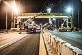 Ows Bridge Crane Installation (15667363875).jpg