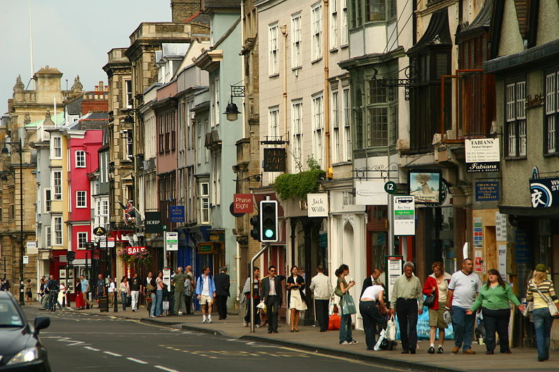 File:Oxford High Street shoppers.jpg
