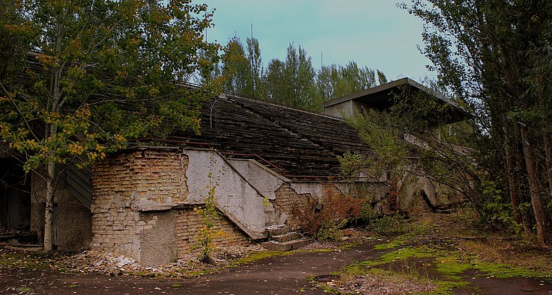 File:PRIPYAT FOOTBALL GROUND NEAR THE CHERNOBYL PLANT NOW ABANDONED UKRAINE SEP 2013 (10006916086).jpg