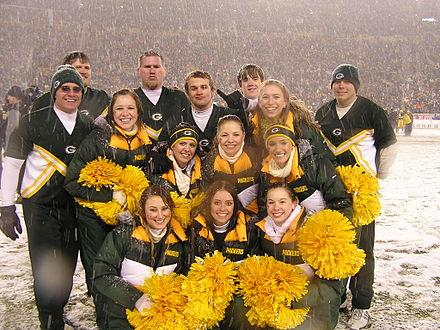 2007 Green Bay Packers cheerleaders during a playoff game