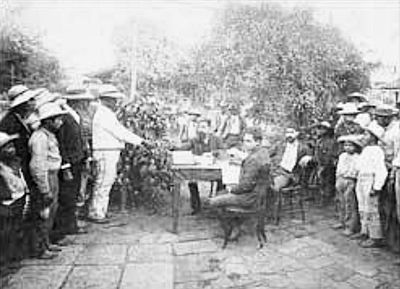 Day laborers pay day in Santa Rosa ca. 1890 according to the Day Laborer Regulations established by Barrios. Pagojornaleros1890.jpg
