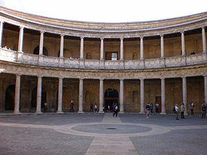 Palacio de Carlos V 05
