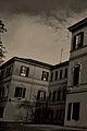 Palazzo all'interno del Parco a Parma.jpg