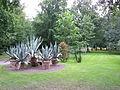 Parken mellan paviljongen och Slottsvillan på Solliden 01.jpg