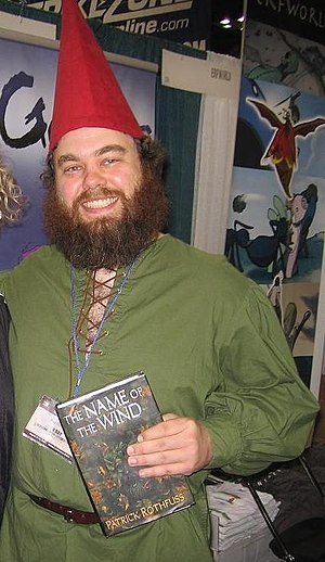 English: Pat Rothfuss in full gnome garb