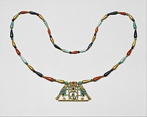 ea414429c56fb Jewellery - Wikipedia
