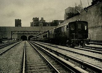Pennsylvania Station (1910–1963) - A train approaching the station from New Jersey, 1910