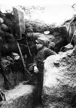 Attrition warfare - French troopers using periscope, 1915.