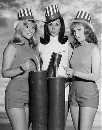 Petticoat Junction - 1967 cast, L-R: Meredith MacRae (Billie Jo), Lori Saunders (Bobbie Jo), and Linda Kaye Henning (Betty Jo)