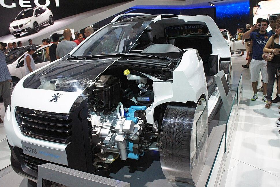Peugeot 2008 HYbrid air SAO 2014 0299